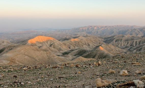Judean-wilderness-at-sunset-tb021107716